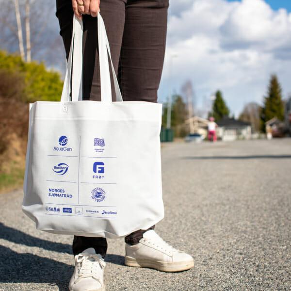 Shopper Calypso med trykk og lang hank | Handlenett | SKG - Spesialister innen profilert emballasje