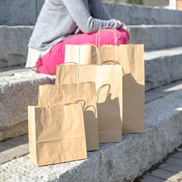 Papirposer uten logo i brun kraft | Nettbutikk | Kort levering på 2-3 dager fra lager | SKG - Spesialister innen profilert emballasje