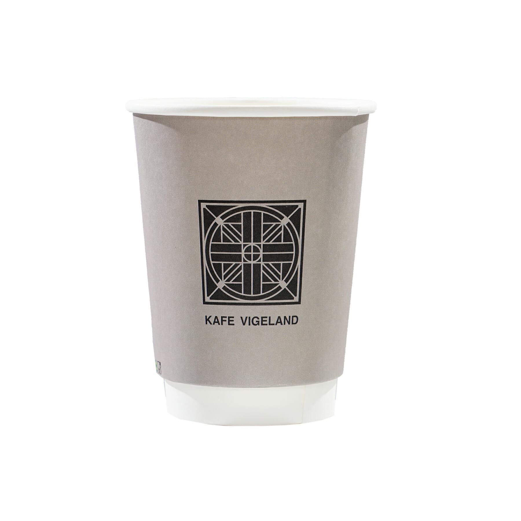Pappkopp med logo | Kafe Vigeland | Take Away | SKG - Spesialister innen profilert emballasje